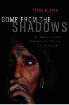 어둠밖으로: 아프가니스탄에서의 평화 | 아프가니스탄 사람들의 진솔한 삶을 담고 있는 책. 캐나다의 저명한 저널리스트가 만나본 아프가니스탄의 보통 사람들, 정치인, 선생님, 저널리스트, 농부, 학생, 축구선수...그들의 이야기를 들어볼 수 있다.