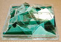 Lots of ideas on how to use scrap glass to make beautiful projects by jestersbaubles.blogspot.com