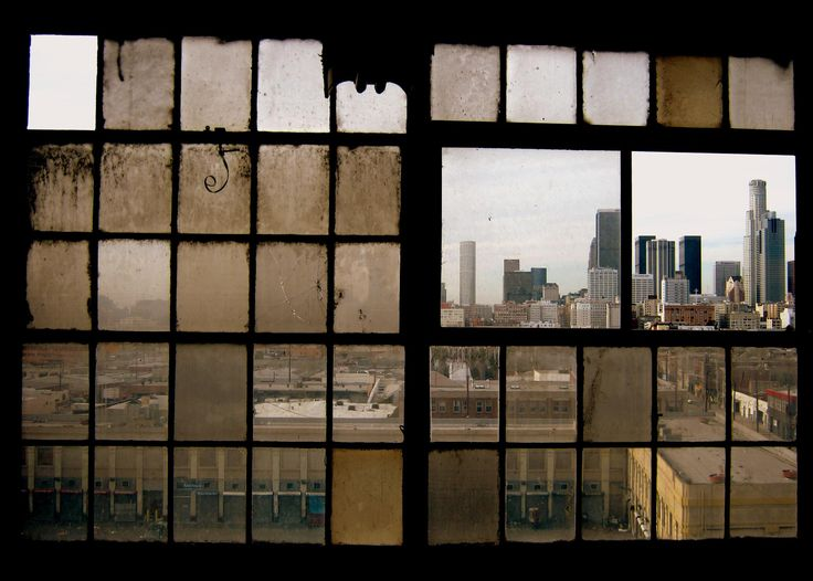 Downtown los angeles through the windows of the old s e for Windows distribution