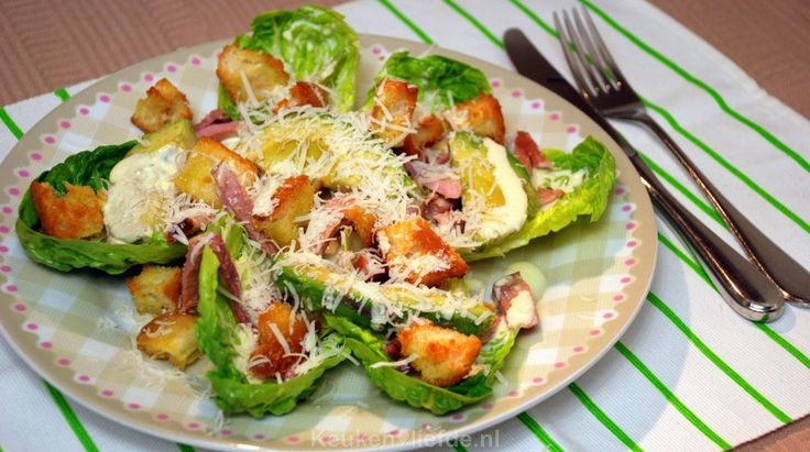 Salade met beenham, avocado en knoflookcroutons - Keuken♥Liefde
