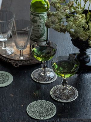 6 pretty and poisonous diy halloween decorations