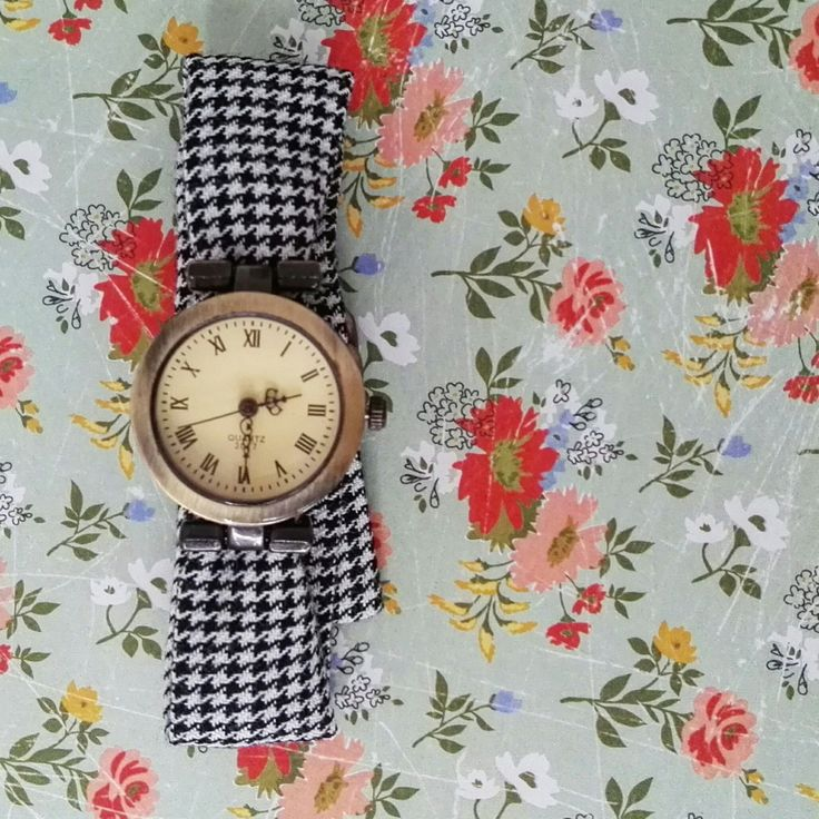 Watches for women, women;s watches, handmade straps, colofull straps, unique watches, wrist watch, watch for girl, wrap watch, bracelet watch, ladies watches