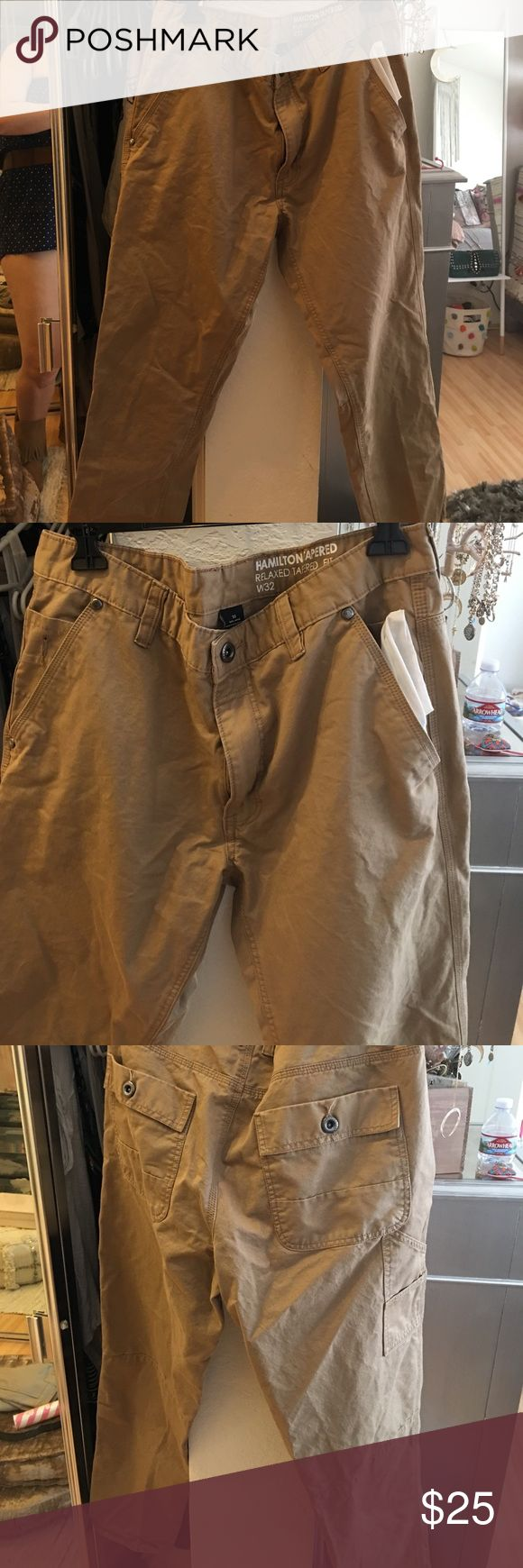 Men's Kaki Pants Size 32 relaxed fit kaki jeans for men. Pretty  much new condition. Jeans Relaxed