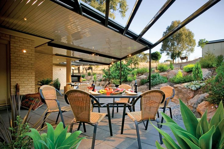 A quality flat roof patio is an easy and inexpensive way to add value to your home. By expanding your outdoor living space you can make your home seem much larger and get more use of your outdoor space. A Stratco Outback flat roof patio can be a standalone carport or a patio attached to your existing home. Add it on as a verandah to wrap around your house or just add a simple carport to add sun protection for your car/boat/caravan or more.