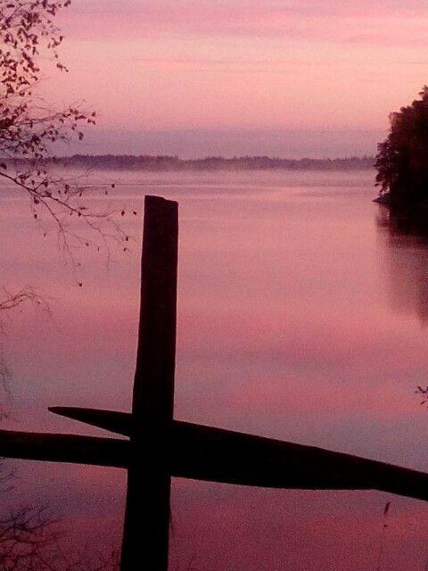Aamuinen usva Tuusulajärven yllä