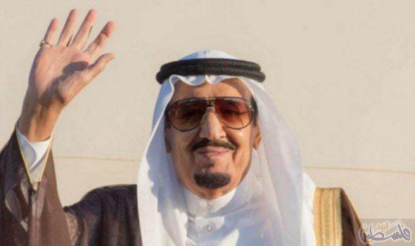 الملك سلمان بن عبد العزيز يرحب بالقادة العرب في قمة الظهران Mens Sunglasses Traditional Outfits Sunglasses