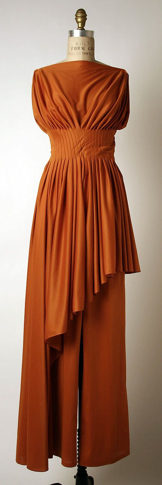 Madame Gr猫s Pantsuit c. 1975. Wow. I was totally guessing the 1930s when I first saw this. And even though orange is a disastrous color for me to wear, I would've definitely worn this!