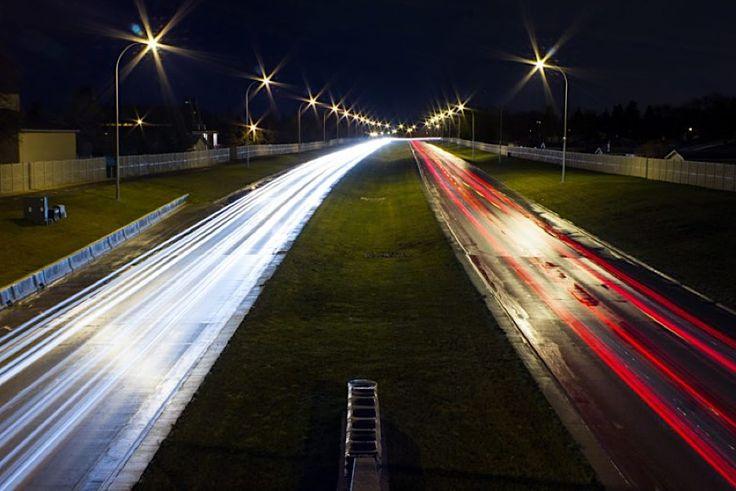 Kyle Didur macht mit seinen Bildern die Nacht zum Tag  Wenn es draußen dunkel ist, dann lassen sich mit der Kamera und ein wenig Licht richtig stimmungsvolle Fotos machen. Der Kanadier Kyle Didur hat si...