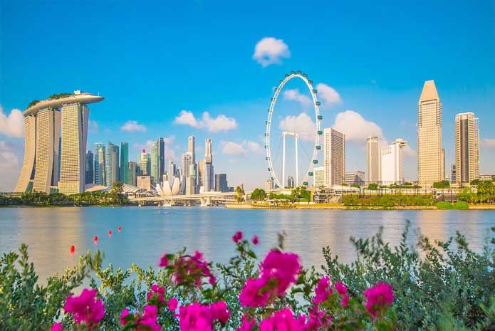 In this growing stress in everyone's lives, each one of us deserves a break once in a while. We have here listed down a number of extraordinarily beautiful places which you must simply not miss out on your Singapore Malaysia packages.