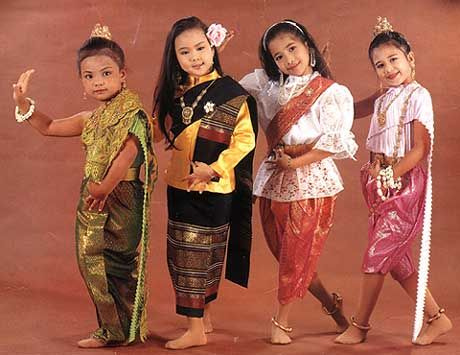 Ramthai.com, Bangkok, Thailand - the online marketplace for traditional Thai dresses, dance costumes and accessories, handmade items used in...