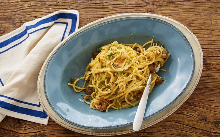 """When celebrity cook and television personality Rachael Ray and her future husband John celebrated his birthday together for the first time, she offered to prepare something fancy. Lobster thermidor? No thanks. Veal Oscar? Nope. His request: carbonara, the humble egg-sauced, bacon-studded pasta dish known as """"coal miner's spaghetti."""" Ever since, Ray has prepared her husband's [...]"""