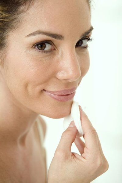How to Rub Preparation-H on Acne
