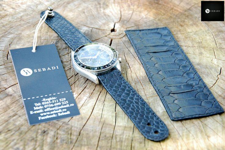 Curea pentru ceas din piele naturala 3 -negru animal print relief -protectie pentru spatele ceasului detasabila -captusit cu piele neagra -inchizatoare metalica nichel innegrit -cusut cu ata neagra  PRET: 110 lei