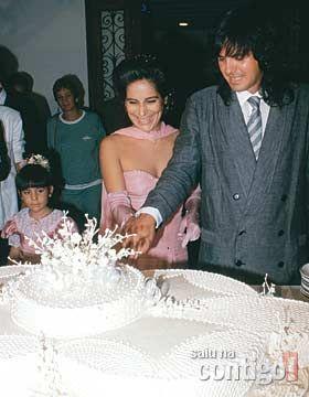 """Memorial Gloria Pires: Gloria conta tudo """"...O casamento de Gloria com Orlando, em 1988, com a filha Cleo como dama de honra"""""""