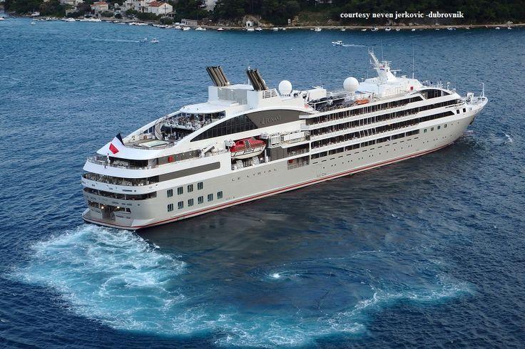 LE LYRIAL (at Dubronvik). Ιδιοκτησία: SAS Caroline 55 (Companie du Ponant). Διαχείρηση: Companie du Ponant. Παρθενικό ταξίδι τον Απρίλιο 2015. 10.992 GT ~ 142,10 μ.μ. ~ 18 μ.πλάτος ~ 6 κατ/τα ~ 16 ~ 17,4 knots ~ 224 ~ 264 επ. ~ 139 ατ.πλ.