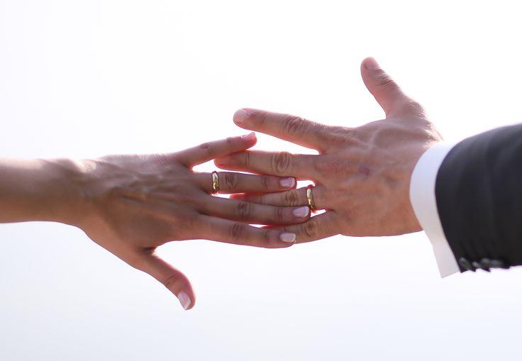 Il simbolo dell'amore è stato scelto nel classico che non stanca mai. Una francesina in oro giallo