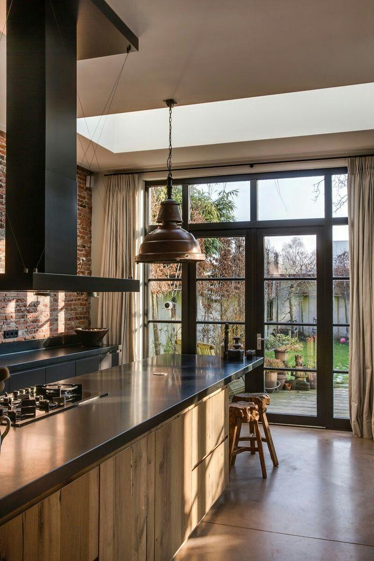 Kitchen i large window