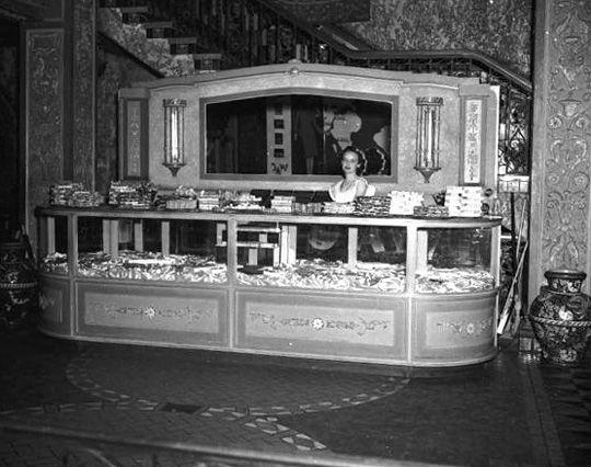 1950 S Theatre Lobbies Google Search Tampa Theatre