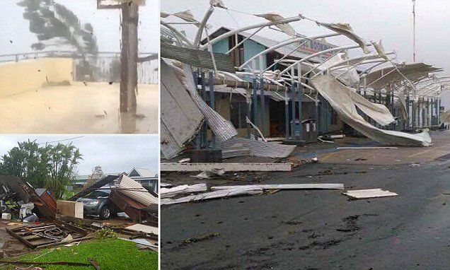 North Queensland wakes to damage left behind in Cyclone Debbie's wake