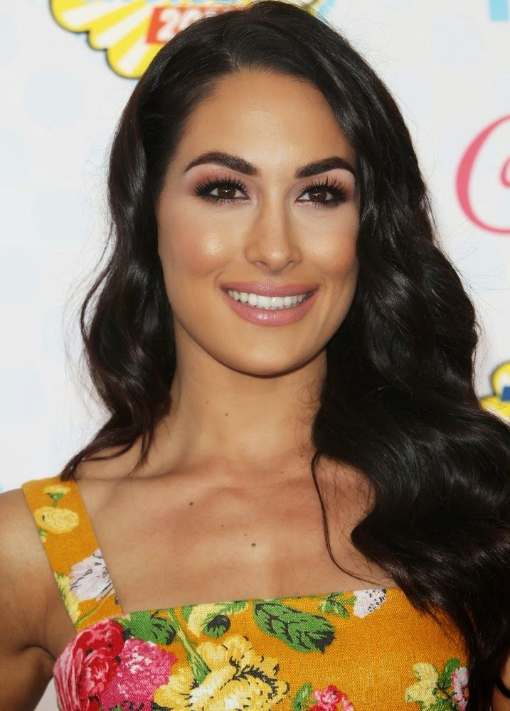 Brie Bella at the 2014 Teen Choice Awards (I think makeup is by Eileen Sandoval)