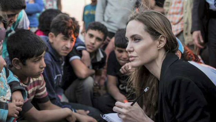 #humanitarian & Actress #AngelinaJolie reveals why she finds it important to help #syrianchildren as she visits Jordan with the #UnitedNations 👍