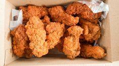 Egy finom KFC csirke házilag ebédre vagy vacsorára? KFC csirke házilag Receptek a Mindmegette.hu Recept gyűjteményében!