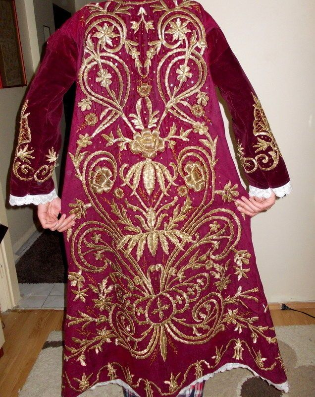 Ottoman 19 TH Century Velvet Bindalli Robe with Gold Metallic Threads | eBay (Pharyah)