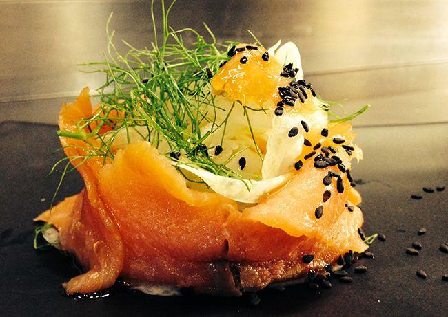 Salmone marinato al miele con insalata di finocchi e sesamo | Food Loft - Il sito web ufficiale di Simone Rugiati