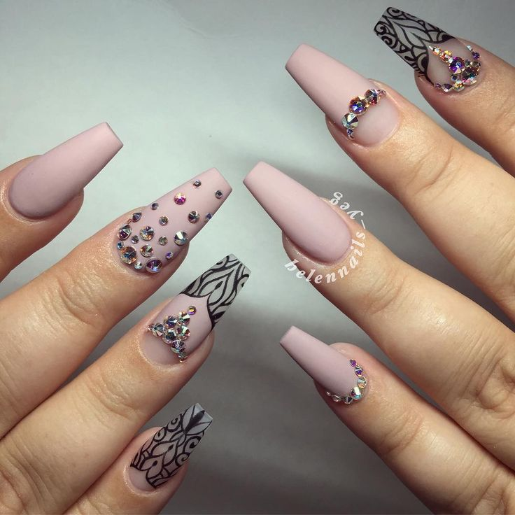 379 best sTiLeTtO aNd cOfFiNs nAiLs images on Pinterest   Nail ...