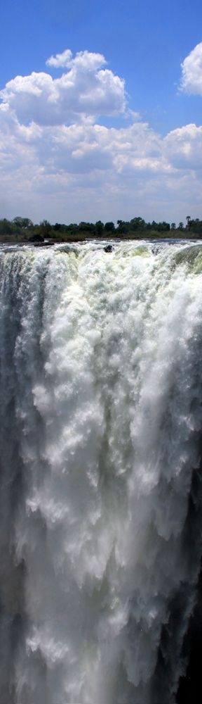 Victoria Falls: The Smoke that thunders