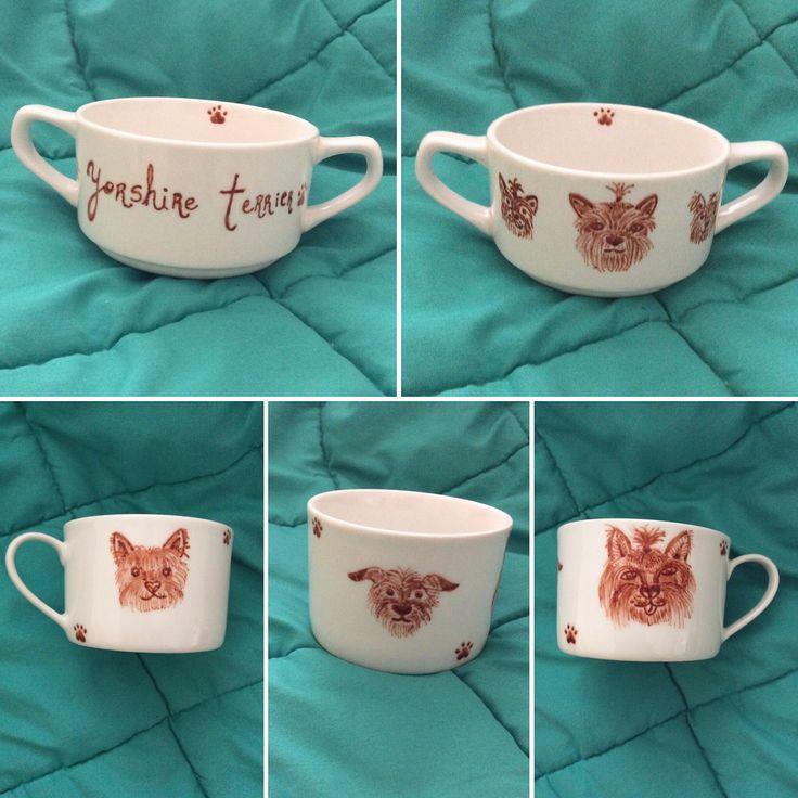 Tazón de sopa pequeño y taza pintados a mano