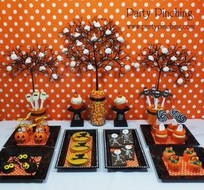 Halloween party table ideas halloween dessert table for Deco de table halloween