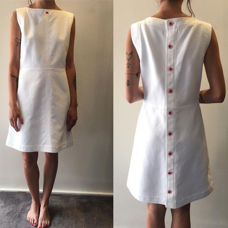 """37 Likes, 1 Comments - Dépôt-Vente articles Luxe NANA (@boutique.nana.toulouse) on Instagram: """"Robe piqué de coton blanc t 38/40 Courréges ❤️ #Courréges #summerfashion #frenchgirl #whitemood…"""""""