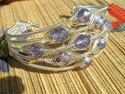 Beautiful herringbone integrated into bracelet with perfect wire wrapping. I want to do this someday soon! By catalinalife on etsy