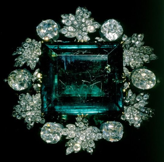 Empress Maria Feodorovna of Russia's emerald and diamond brooch, given by Catherine II on the occasion of her marrige to Paul I (1776).