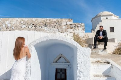 A breathtaking after wedding session at Emporio, Santorini by Phosart Photography & Cinematography