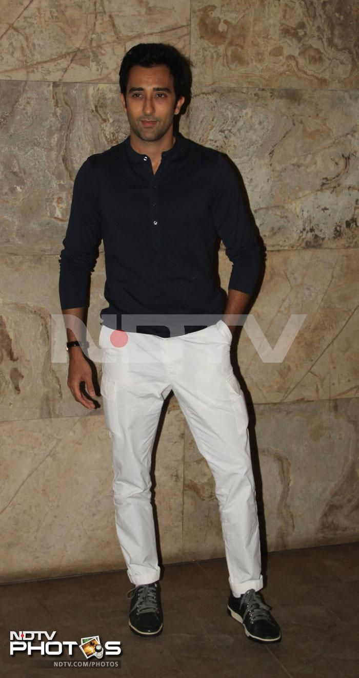 Rahul Khanna was effortless in white and black.