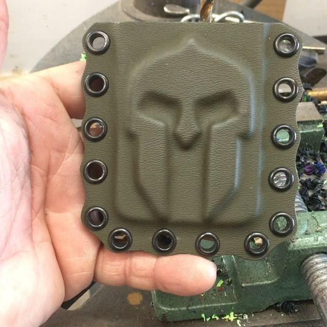 """Double Tap  if you like it! """"Have you noticed how creative some craftsmen are getting with Kydex? Wallet-maker @metalxmfg  is offering these to the community""""Molan Labe Kydex Wallet in OD Green! Get yours at metalxmfg.com. Starting at $25 #molanlabe #kydexholster #kydexwallet #metalxmfg"""
