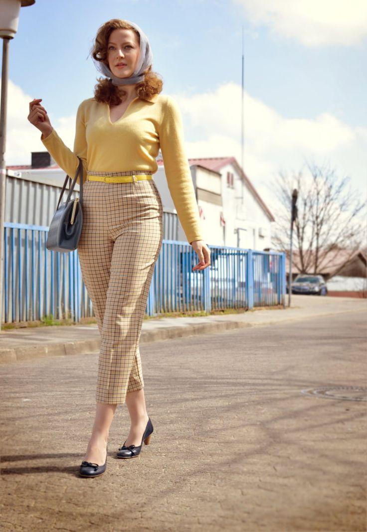 Lily Jarlsson - Vintage cigarette pants 1950s retro style