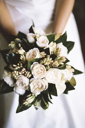 tuberose bridal bouquet wedding flowers brides of adelaide magazine