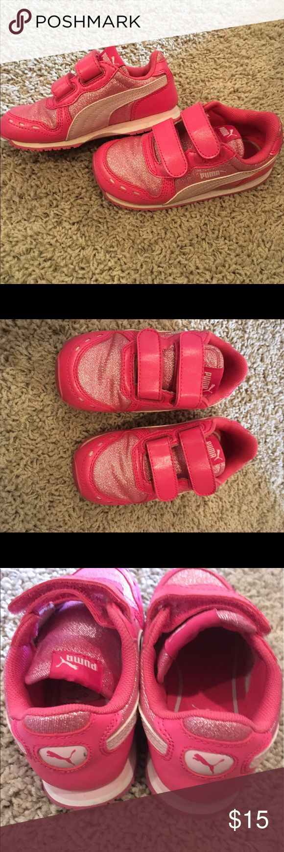 Pink Pumas size 8 Great condition, sparkly pink Pumas in size 8 Puma Shoes Sneakers