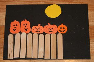 5 Little Pumpkins Craft - make this along with singing the song!