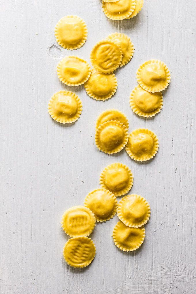 15 minute meals: lemon ricotta ravioli with wilted greens   theclevercarrot.com
