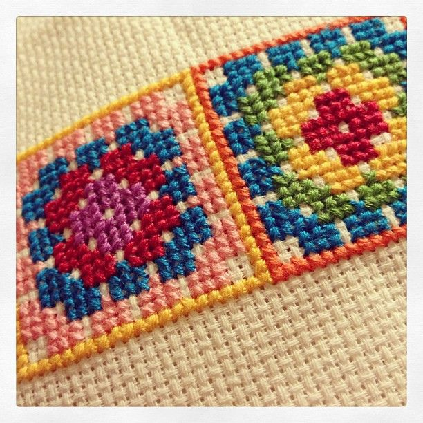 Cross stitch granny squares http://lilleystitches.blogspot.co.uk/2013/05/granny-square-cross-stitch.html | Flickr - Photo Sharing!