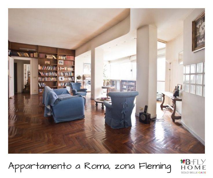 Proponiamo a Vigna Clara, zona prestigiosa e residenziale di Roma, un appartamento di 219mq posto al secondo piano di una palazzina signorile recentemente ristrutturata. In vendita a €990.000.