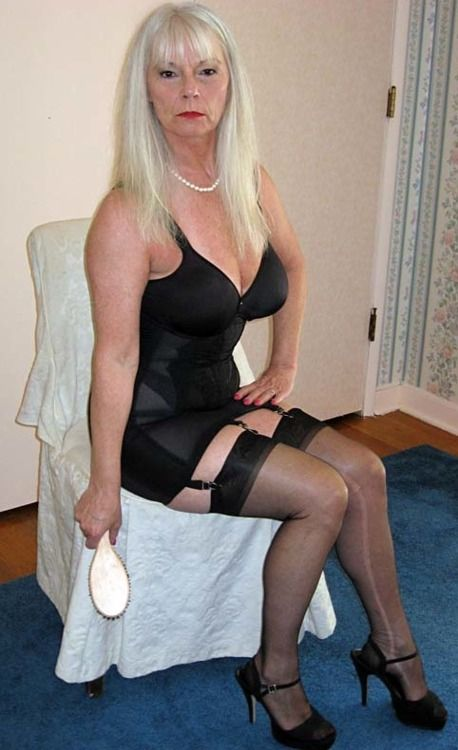 Hookup an older woman 3 years