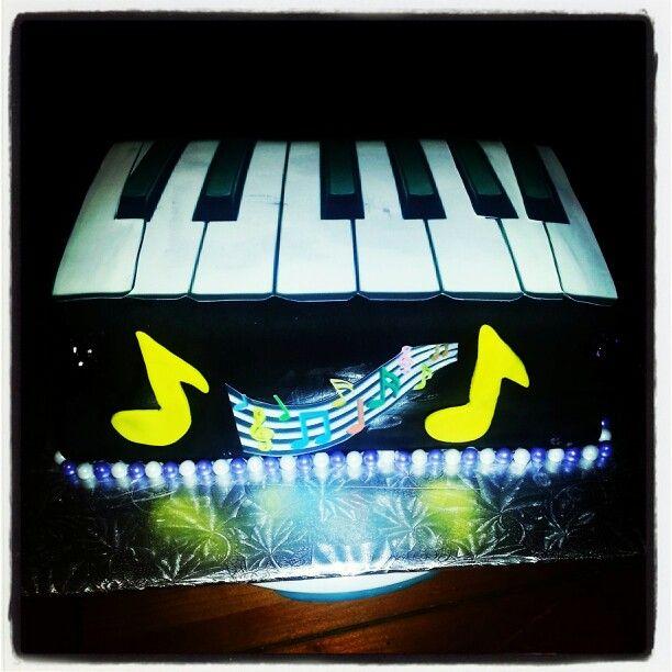 Piano cake cakes by mona pinterest piano cakes piano and cakes