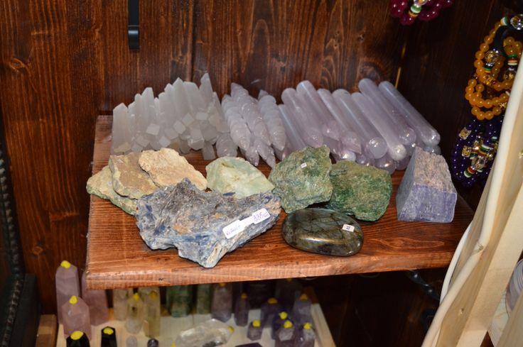 Nou! Din 18 Martie 2016, in magazinele StoneMania Bijou din Bucuresti, Bulevardul Carol I Nr. 25 si Calea Mosilor Nr. 127 gasiti o gama foarte variata de cristale brute si minerale rare. www.stonemania.ro