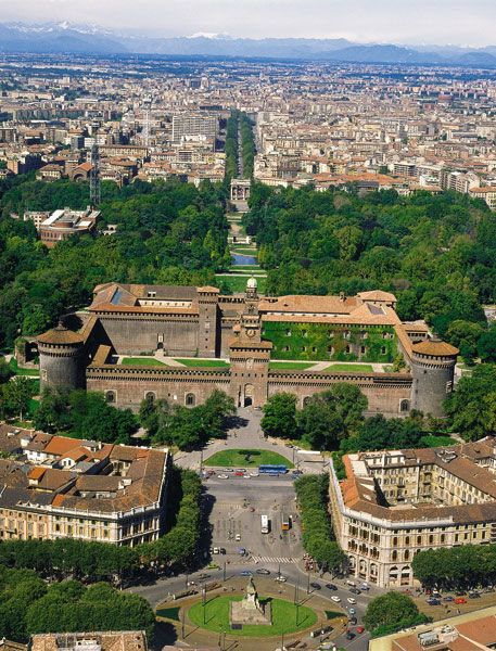 The amazing Castello Sforzesco, Milano