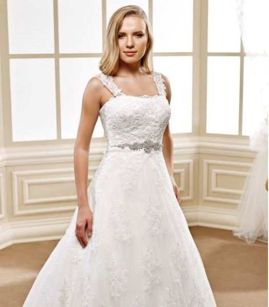 Cool Lace wedding gown with wide lace straps for Plus Size Brides